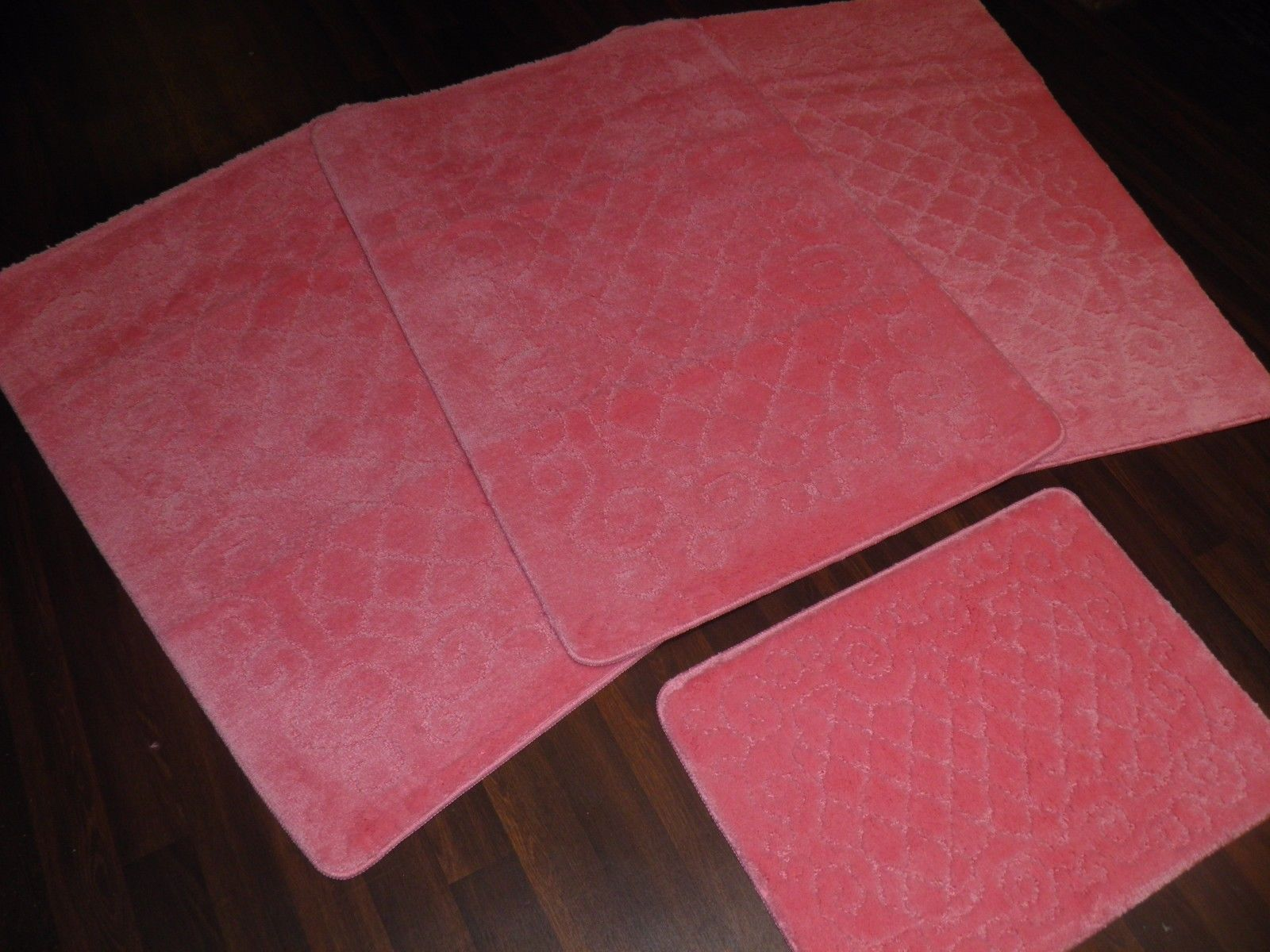ROMANY WASHABLES NEW FOR 2018 SUPER THICK NEW DESIGN 4PCS SET RED NON SLIP MATS